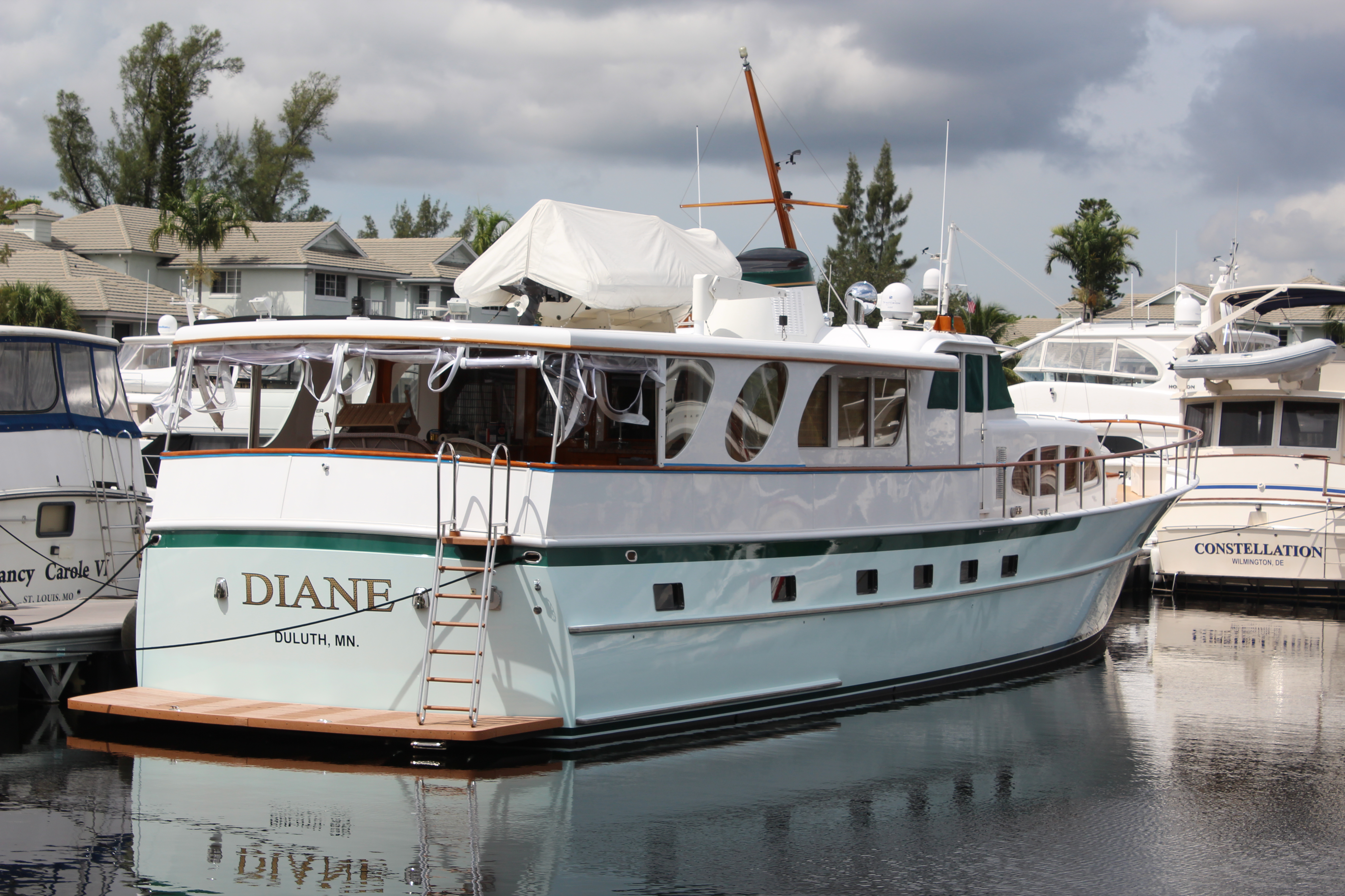 Diane Burger 85 yacht for sale