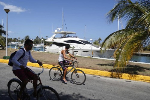"""""""Still Water"""" first American Yacht authorized to travel to Cuba in Marina Hemingway"""