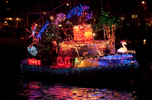 yacht-with-christmas-lights