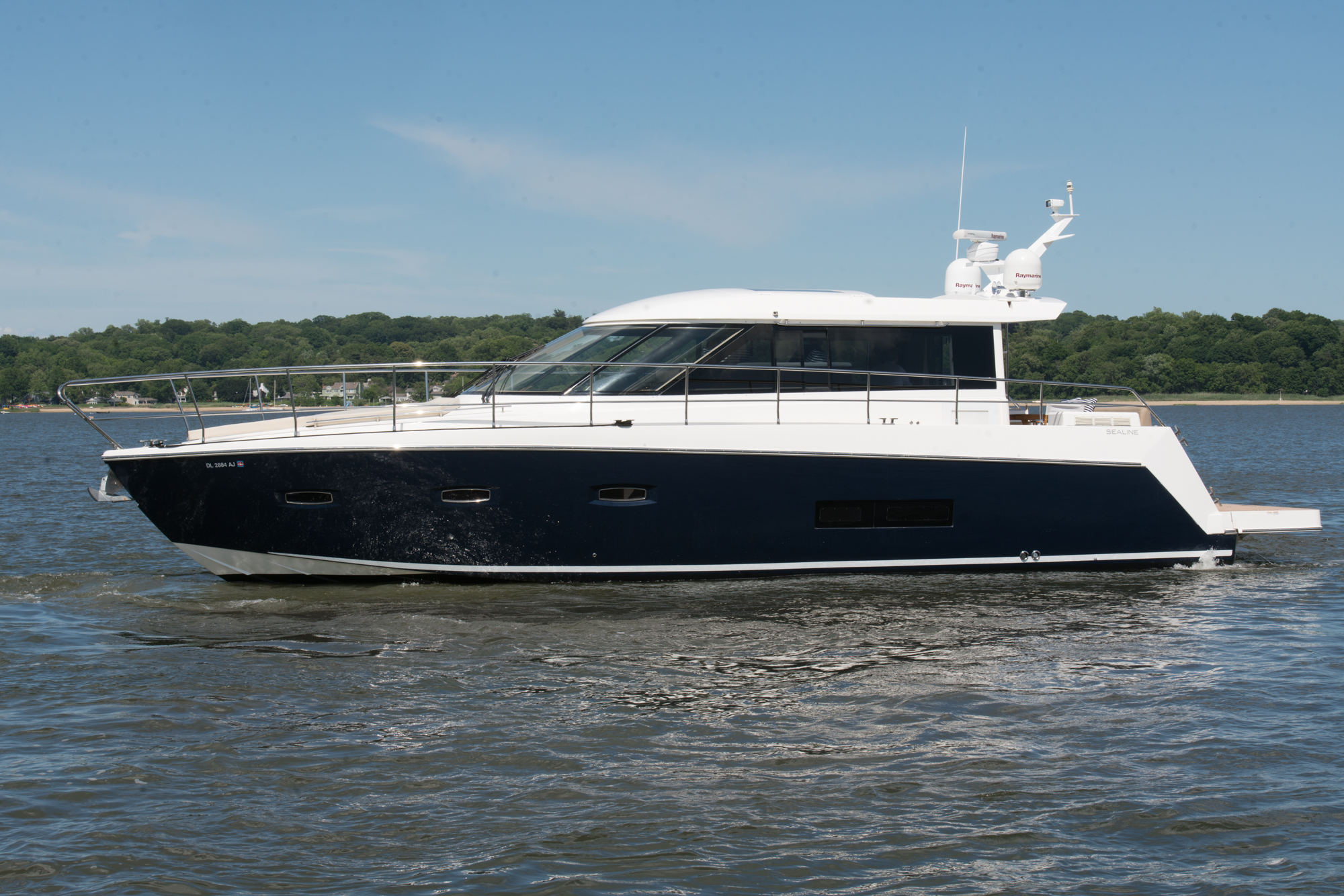 Yacht of the week nutella a 50 foot sealine yacht 26 for 50 ft motor yachts for sale