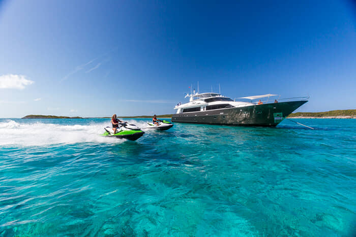 Crescent Yachts Charters, Unbridled charter yacht - 26 North Yachts