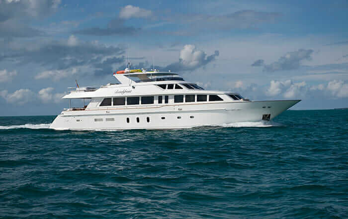Hargrave Yachts Charters, Beachfront Yacht Charter